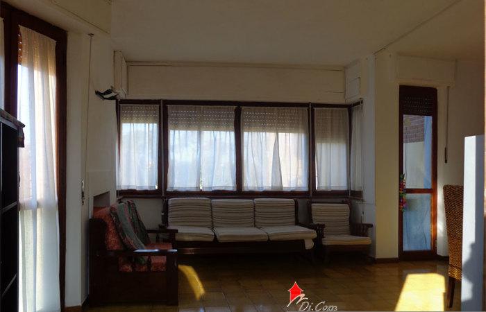 appartamento vendita tirrenia soggiorno
