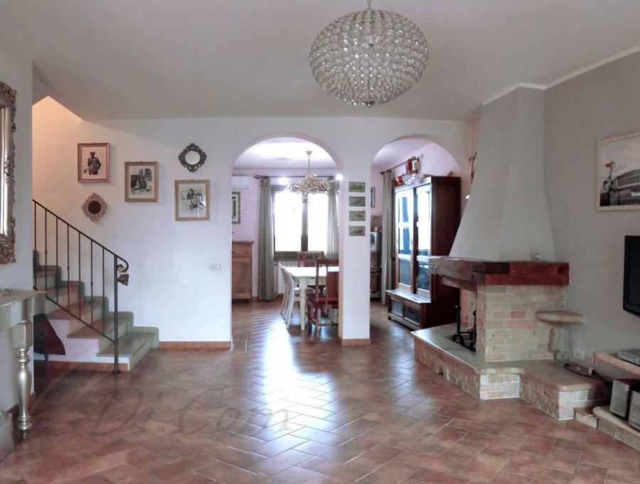 Villa 120 mq in vendita a pettori cascina pisa for Planimetrie di case di piccoli laghi