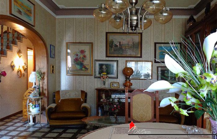 Villa in vendita a Marina di Pisa di 120 mq con giardinetto e garage