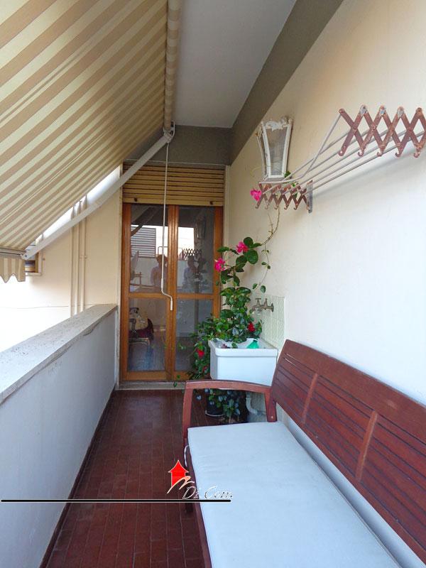 Porta a lucca pisa appartamento in vendita 75 mq e garage - Cucina balcone condominio ...