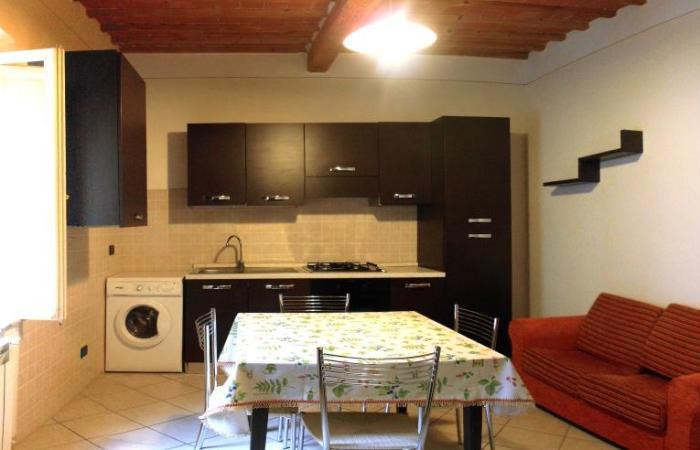 Bilocale 40 Mq In Affitto A Cascina, Zona Cascina