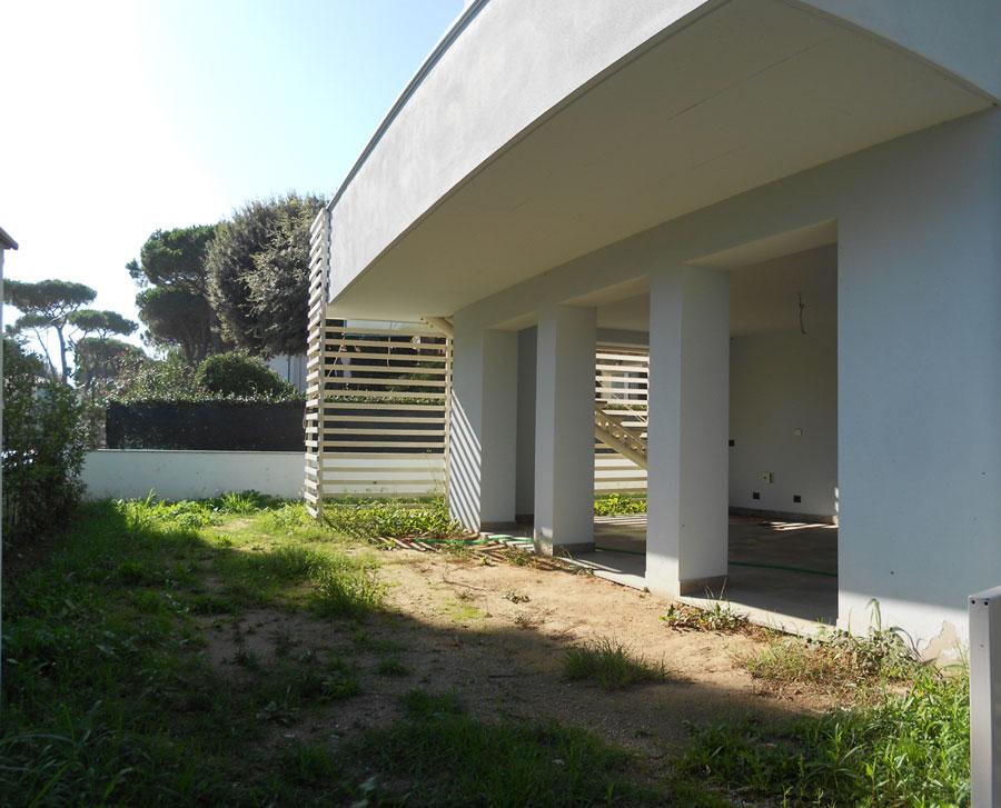 Villetta 130 mq in vendita a tirrenia pisa for Giardino 30 mq progetto