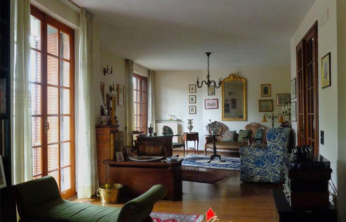 villa singola vendita porta a lucca pisa