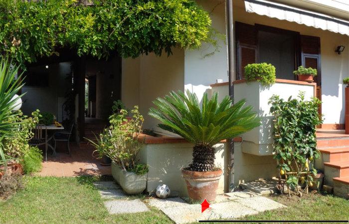 Villa in vendita a Ghezzano di 185mq con giardino e Garage