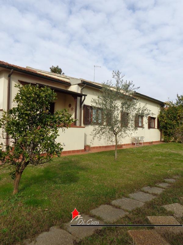 Villa singola in affitto zona barbaricina con giardino - Affitto casa con giardino ...