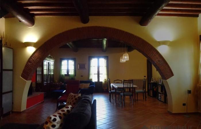 soggiorno 2 rustico-casale-in-vendita-san-giorgio-cascina