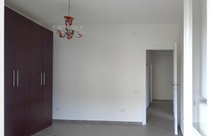 altra-vista-della-camera-con-balcone