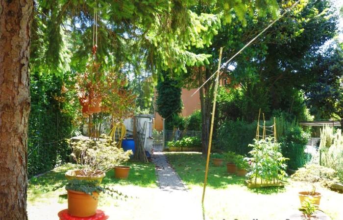 terratetto-con-giardino-a-barbaricina