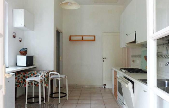 cucina-abitabile-della-villa-a-tirrenia