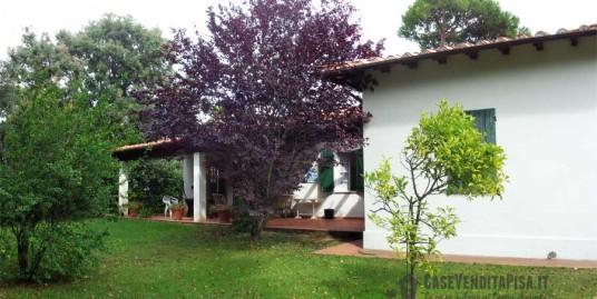 villa-singola-con-giardino-in-vendita-a-tirrenia