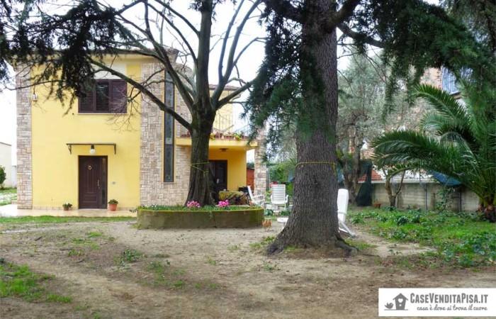 villa-singola-lugnano-giardino