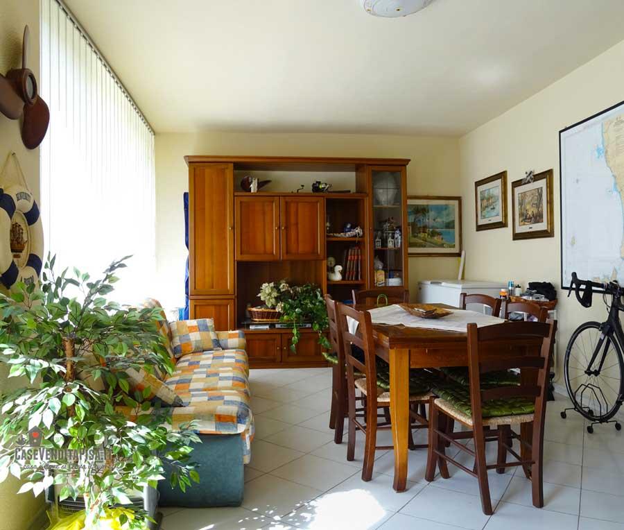 Villetta a schiera con giardino in vendita a vecchiano for Piani tetto veranda protette