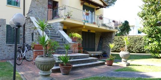 vendita villa duplex tirrenia