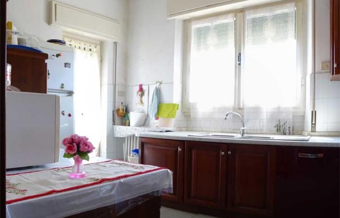 cucina-villa-duplex-tirrenia