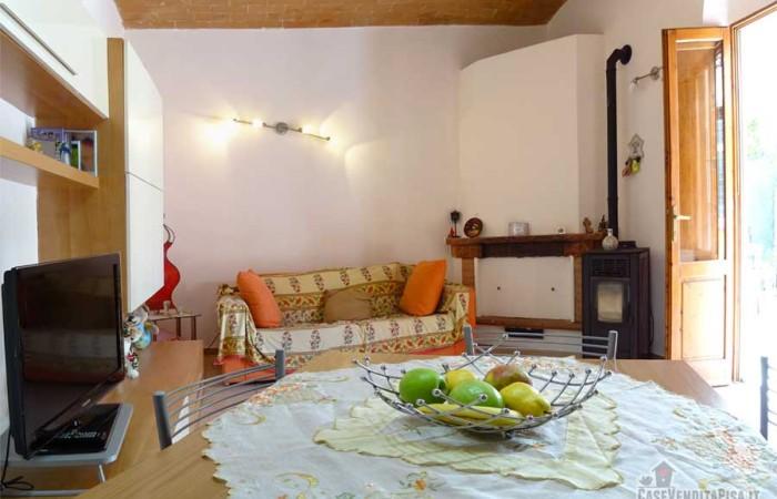 Terratetto (bilocale) con giardino in vendita a Cascina > Sant'Anna