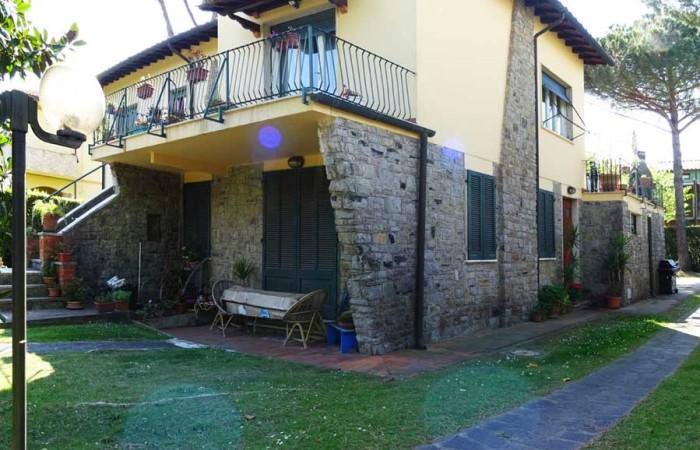 villa-duplex-con-giardino-in-vendita-a-tirrenia-pisa