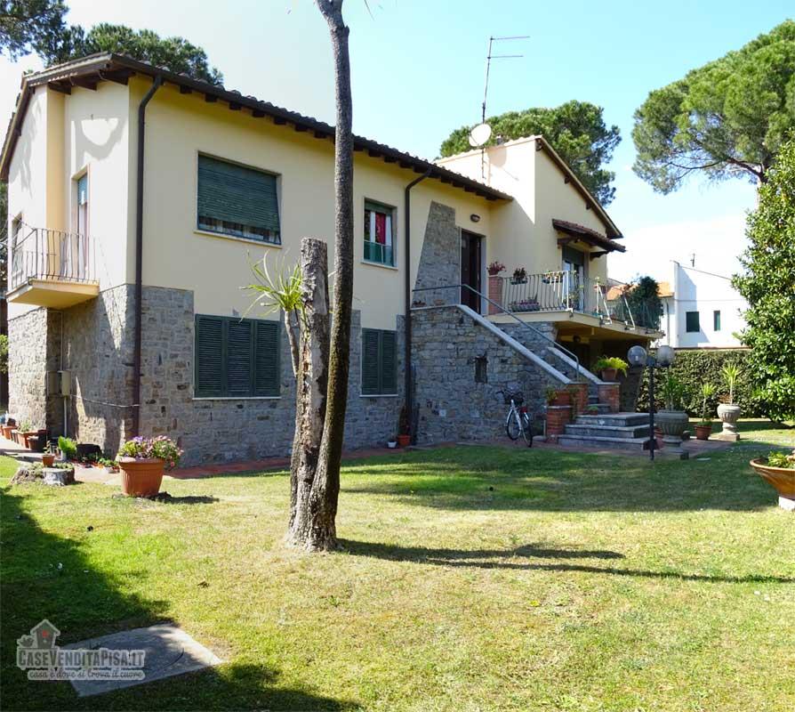 Vendita villa duplex tirrenia con giardino - Casa con giardino pisa ...