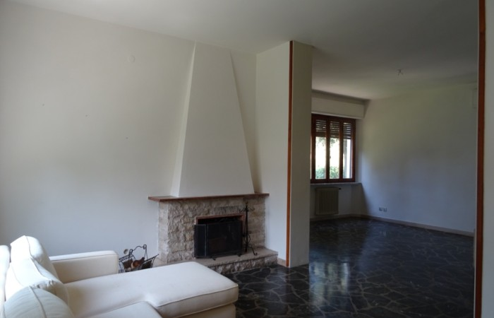 Vendita Villa singola a Tirrenia con giardino e dependance