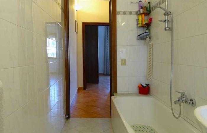 bagno-con-vasca-piano-primo