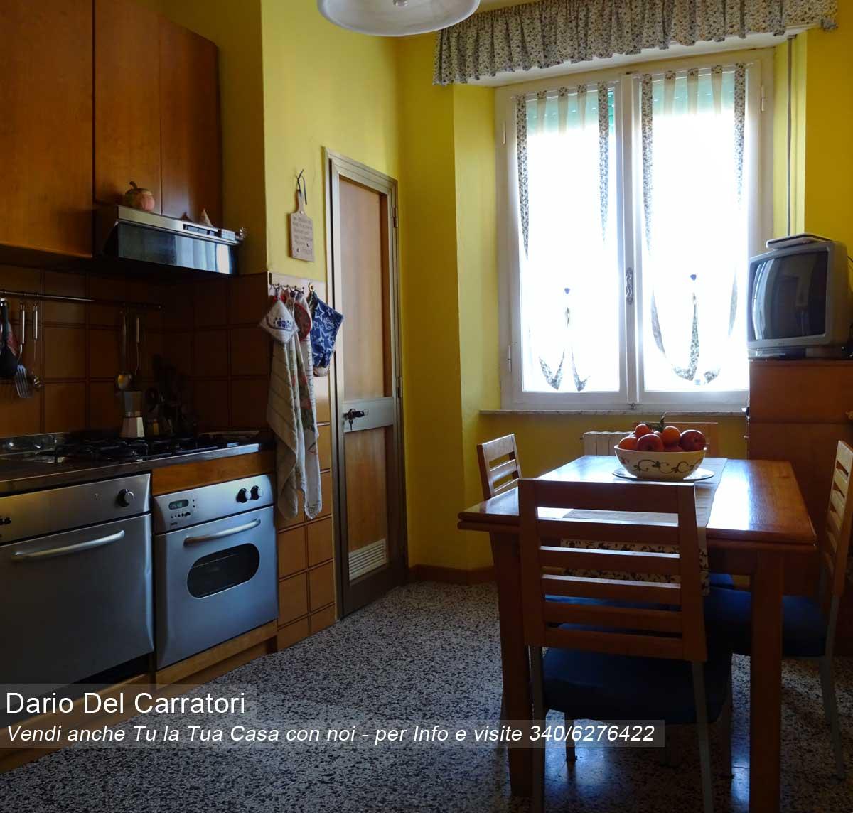 Appartamento in vendita a cascina centro con garage e balcone for Casa in vendita con garage appartamento