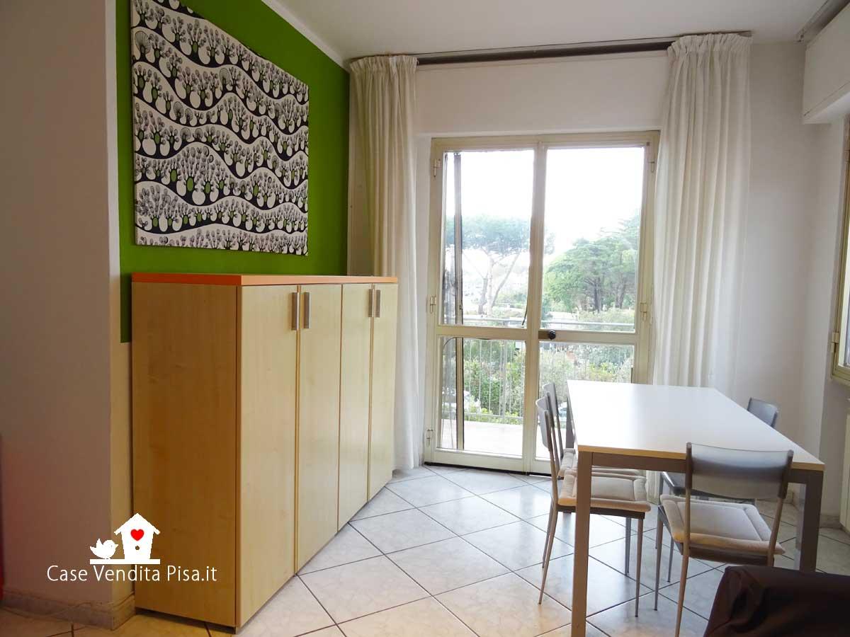 Appartamento in vendita a Tirrenia con giardino e garage