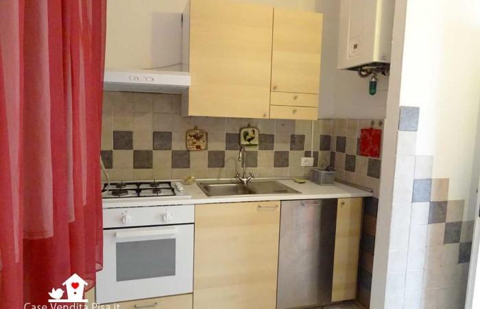 appartamento-vendita-tirrenia-cucina