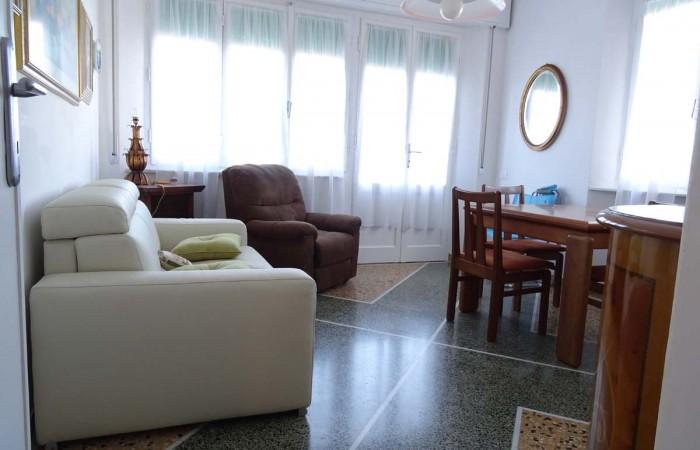 Appartamento 4 vani con balcone in vendita a Tirrenia