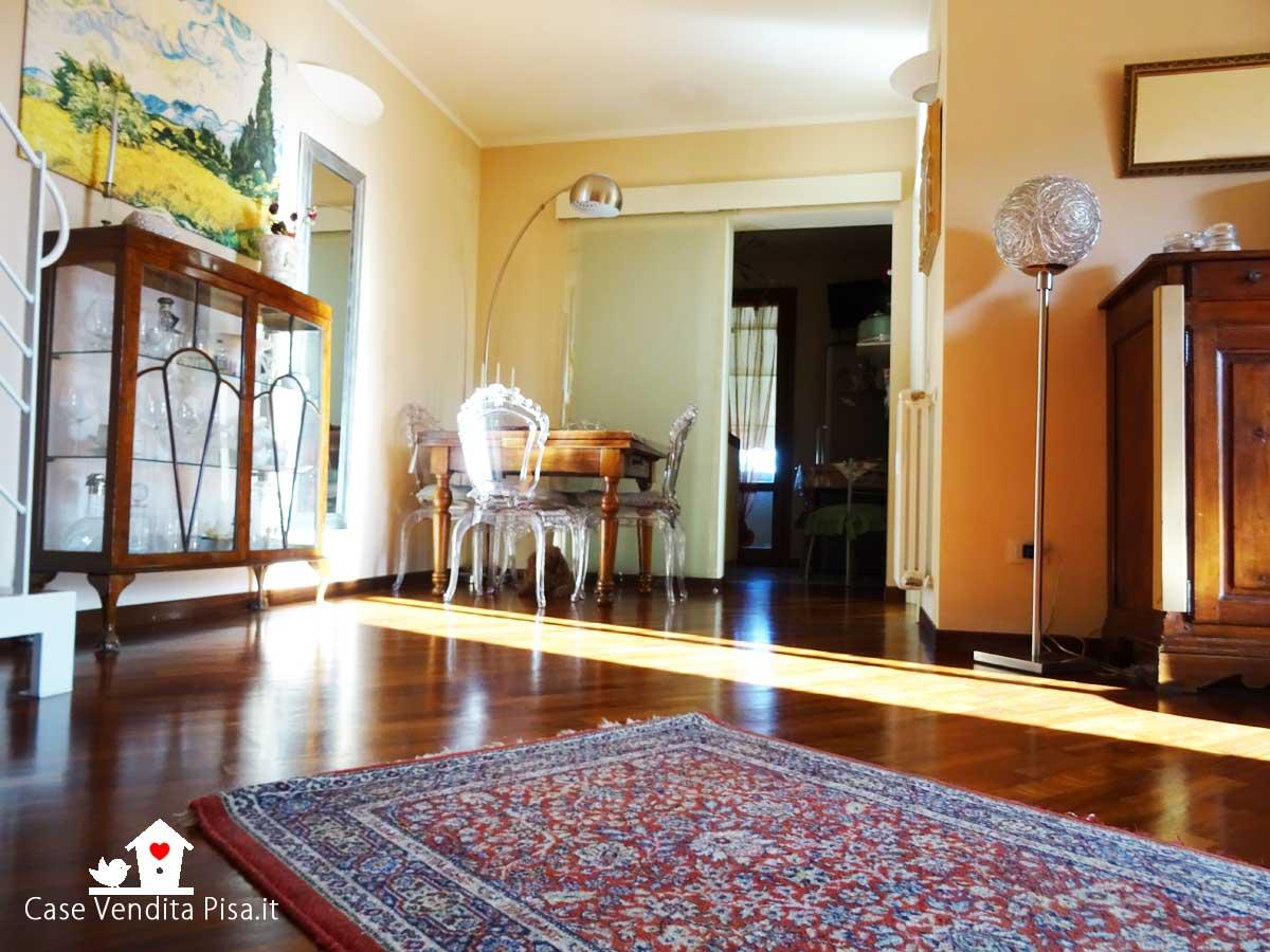 Appartamento con mansarda, posto auto e cantina in vendita a Badia, Cascina