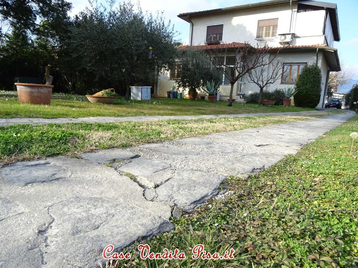Vendita piano terra rialzato di villa duplex a visignano Navacchio, Cascina